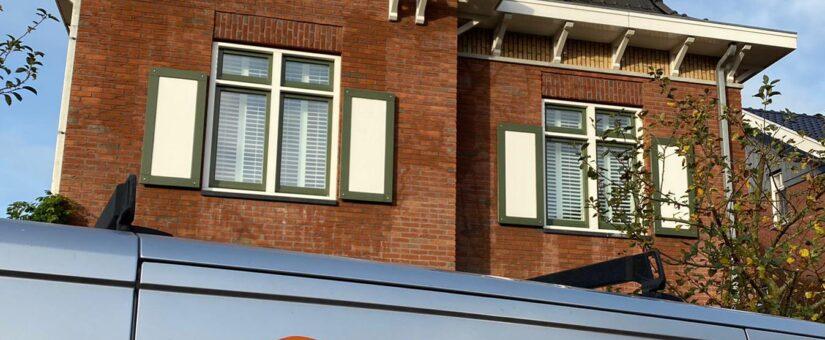 Groot vrijstaand herenhuis reinigen in Castricum